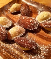 French madeleines with powdered sugar
